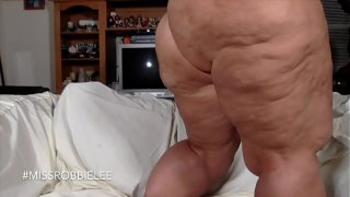 Miss Robbie Lee shows her Ass And Jiggles her White Booty And Seduces her Camera Man