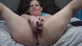 Chubby MILF fucks her insatiable wet pussy