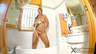 Carmina Ordena Webcam  Masturbates in the Shower
