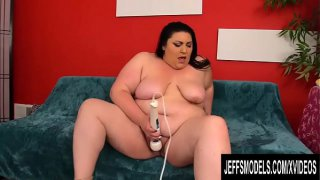 Plumper Beauty Bella Bendz Gets Naugty with Her Sex Toys