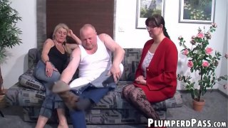 Nerdy BBW bouncing on middle aged cock after BJ