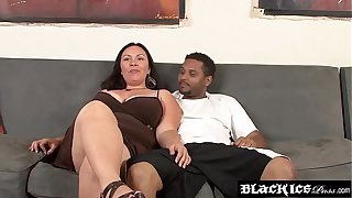 Horny BBW interracially spitroasted and fed with spunk