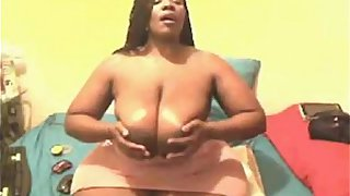 Ebony bbw toys her ass on webcam