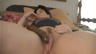 Fat Pussy Lips Masturbates on Cam and Cums - DarlingCams.com